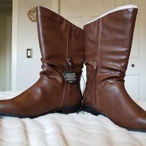 East 5th Boots NWT